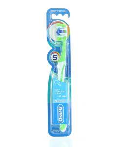 Oral-B Periuta de dinti 1 buc 5 Way Clean M40