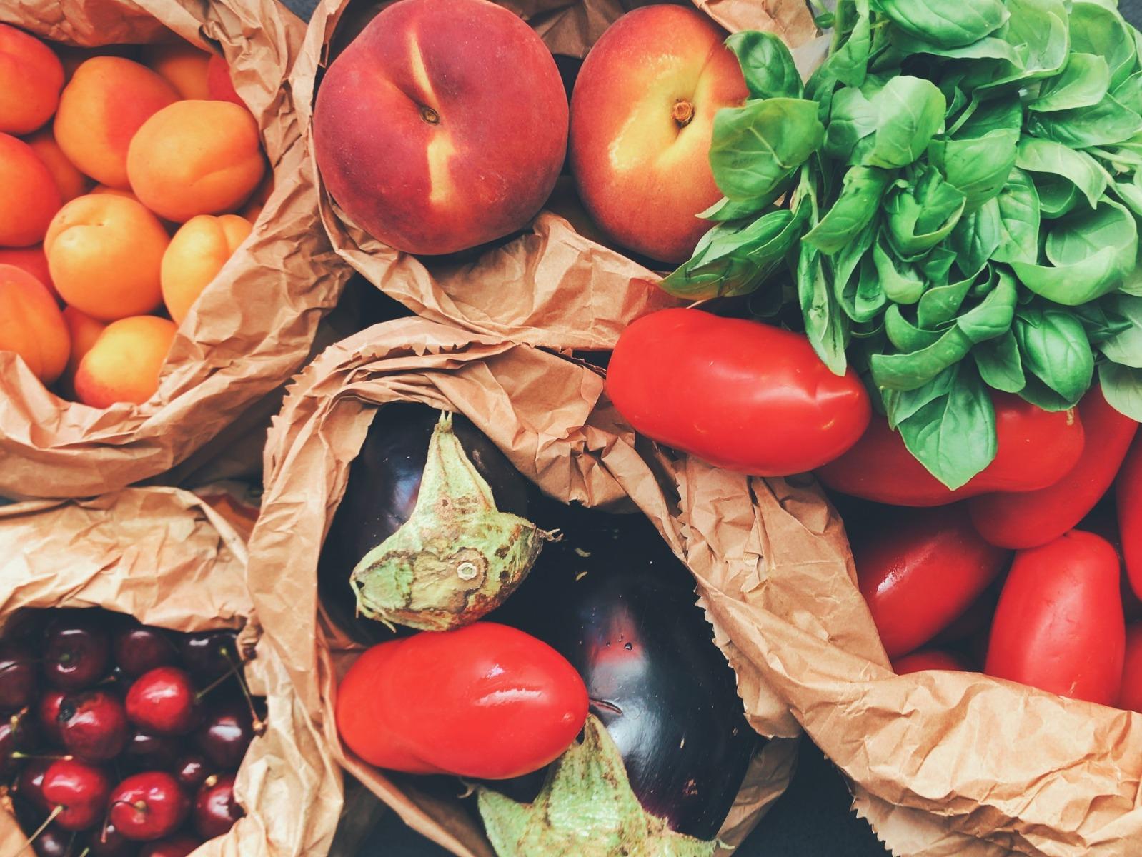 Cum depozitezi corect alimentele pentru prospețime îndelungată?