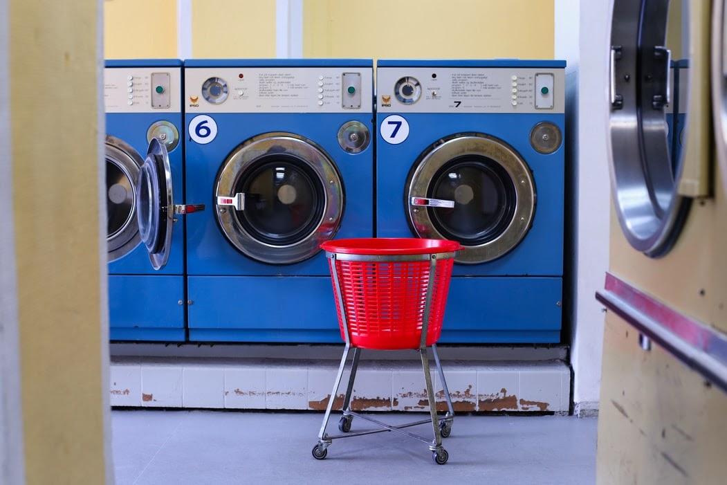 Îngrijirea și curățarea mașinii de spălat